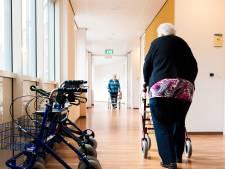 Slim incontinentiemateriaal en muziekkussens: zo gaat verpleeghuis personeelstekort te lijf