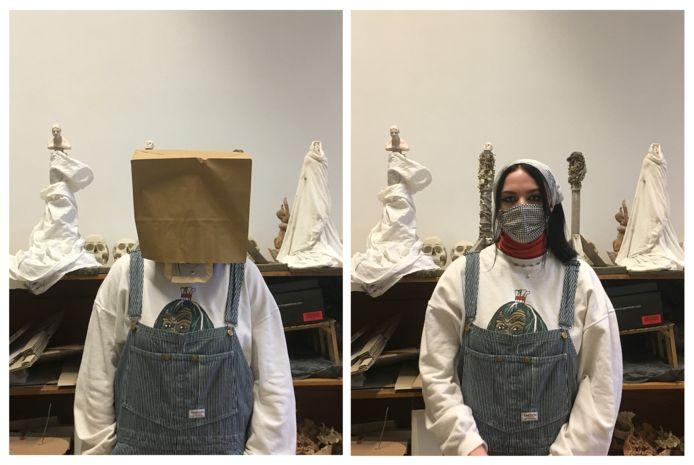 """Een leerling protesteert met een bruine papieren zak over haar hoofd: """"We voelen ons in de zak gezet""""."""
