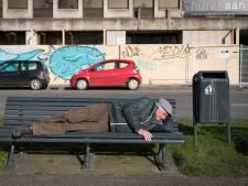 Dakloze Bertus: 'Om 5.00 uur word ik wakker van de kou'