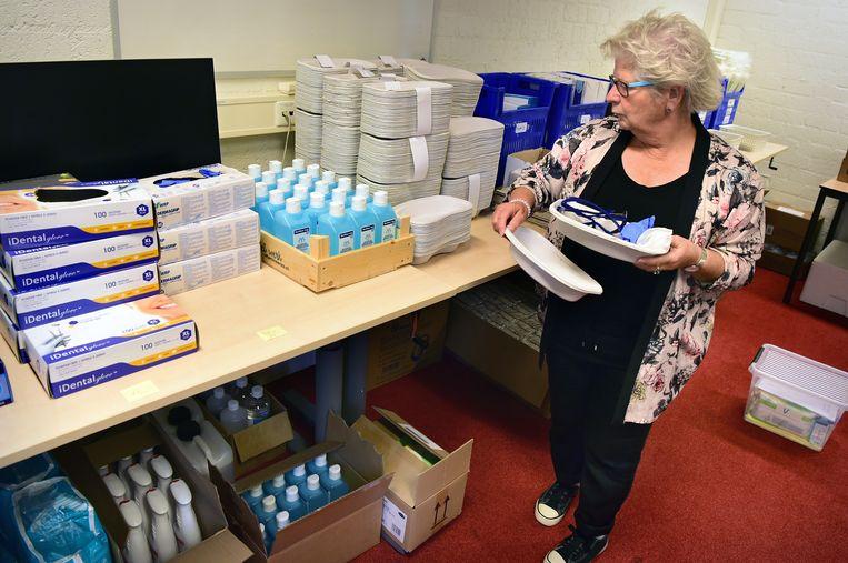 De voorraadkamer met testmateriaal van GGD Gelderland Zuid. Beeld Marcel van den Bergh / de Volkskrant