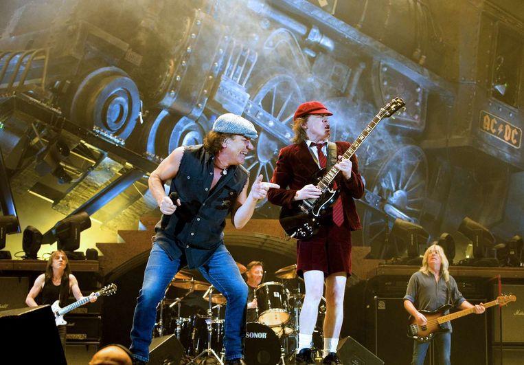 Brian Johnson en Angus Young van AC/DC.