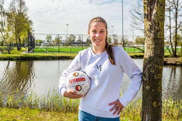 De Bergambachtse Lucy Heij gaat voetballen bij Feijenoord in het team MO16.