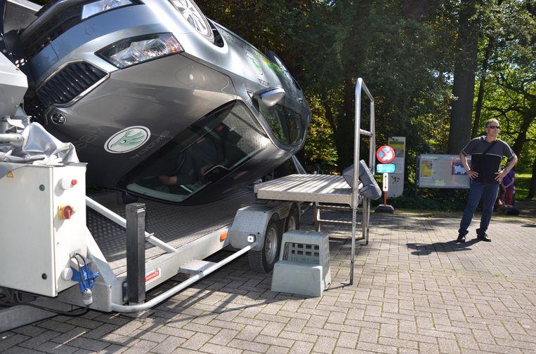 De tuimelwagen laat de inzitten ervaren wat de impact van een ongeval is als je geen gordel draagt.