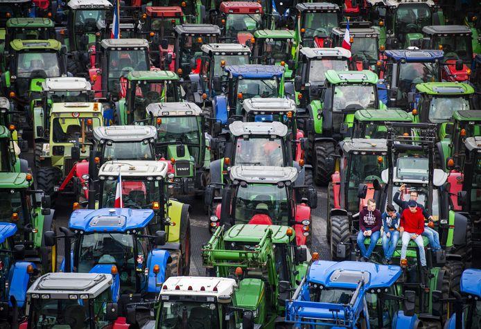Protesterende boeren tijdens een eerdere protestdag. Woensdag gaan de boeren opnieuw naar Den Haag.