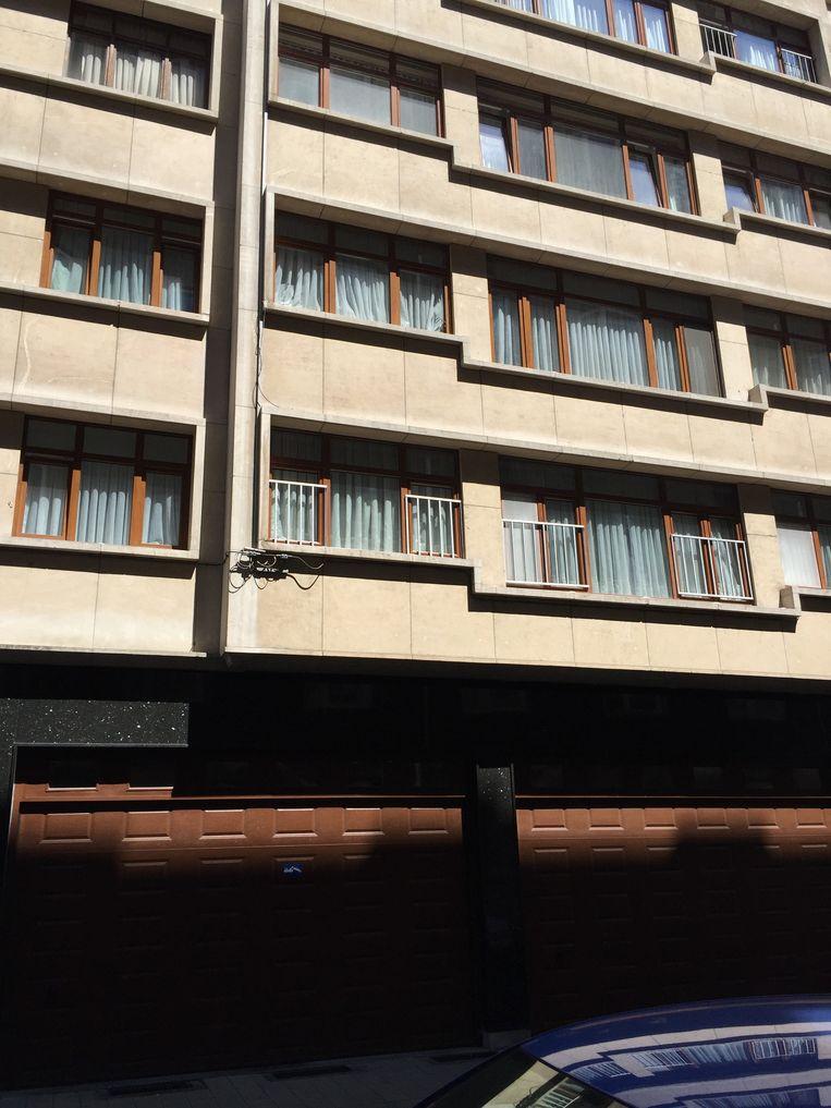 Het 1-jarige jongetje viel zo'n tien meter naar beneden, uit een appartement op de tweede verdieping, aan de Grétrystraat.