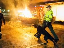 Brandweer en politie trainen in Alphen met honden voor jaarwisseling