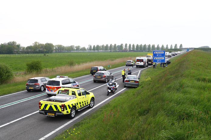 Bij het ongeval zijn drie voertuigen betrokken.