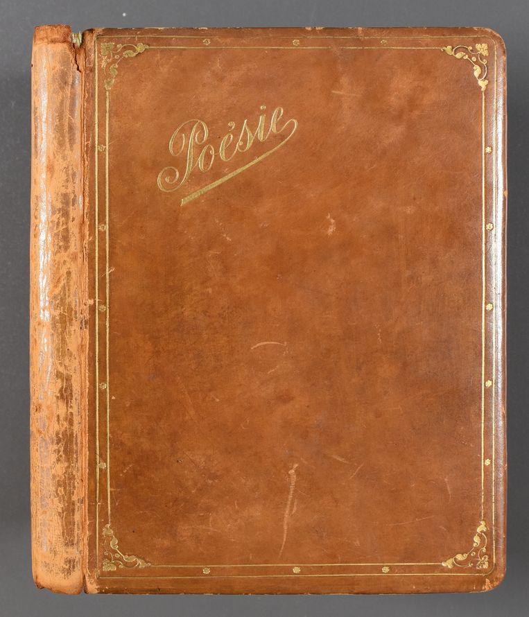 Dit poëzie-album bevat originele tekeningen van James Ensor en Léon Spilliaert.