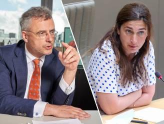 """Spanning binnen Vlaamse meerderheid over zware PFOS-vervuiling in Zwijndrecht, Coens: Demir """"moet echt eens weten wat ze wil"""""""