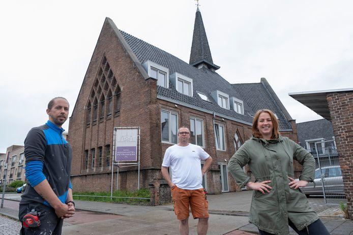 vlnr: Bas, Jeroen en Xandra Maljaars blazen de Petruskerk na 23 jaar nieuw leven in.