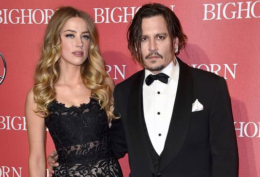 Amber Heard en Johnny Depp op 2 januari 2016 in het Californische Palm Springs.