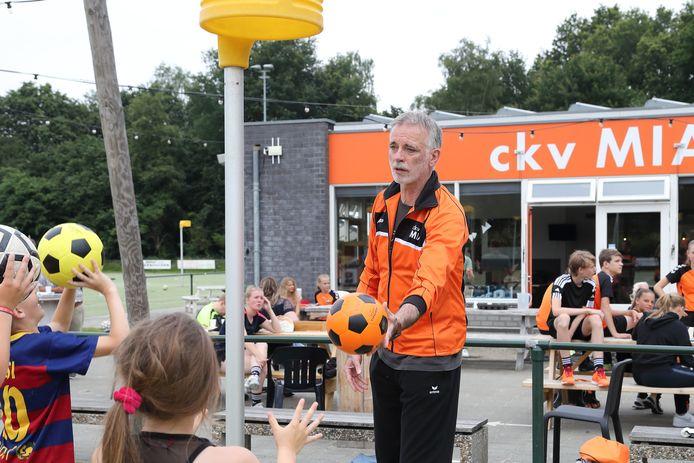 Oud-bondscoach Jan Hof wordt hoofd jeugdopleiding bij korfbalvereniging MIA in Amersfoort.
