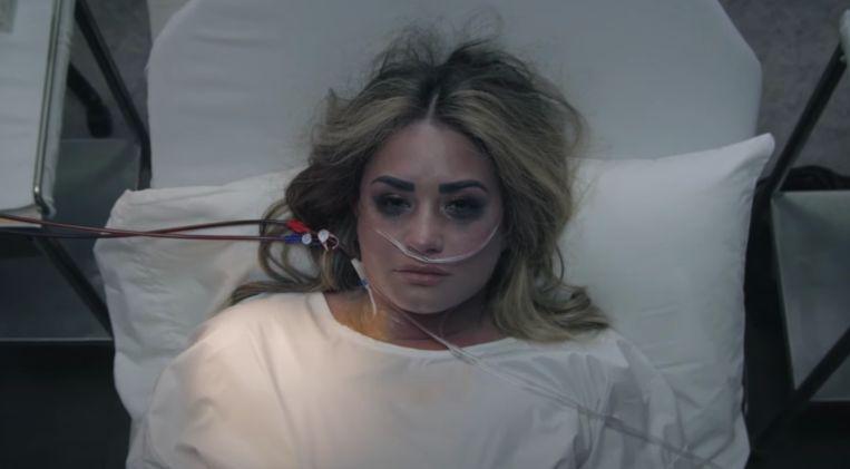Demi Lovato in de videoclip van 'Dancing With the Devil' Beeld