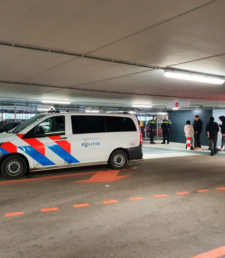 Politie speurt naar verdachte van beroving in Lelystad
