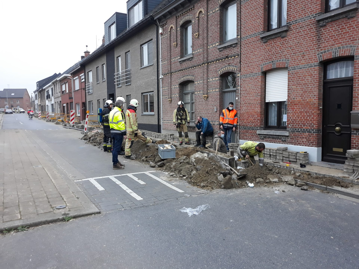BORNEM - De brandweer kwam ter plaatse om het lek tijdelijk te dichten.
