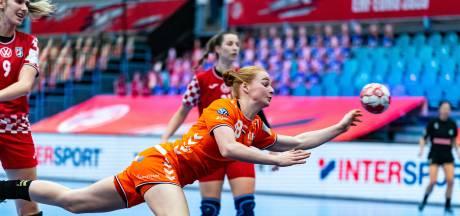 Ulftse handbalster Dione Housheer: 'EK was een groot leerproces'