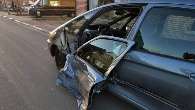 Nederlanders botsen op kruispunt Heidestraat: twee gewonden