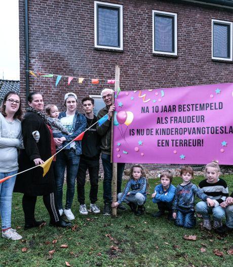 Toeslagenaffaire kabbelt maar voort: 'Alleen ouders een brief sturen is niet genoeg'
