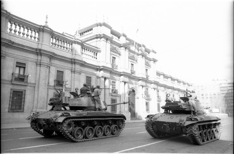 Tanks in de straten van Chili, na Pinochets staatsgreep, 1973. Beeld Getty Images
