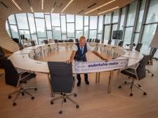 De Lochemse gemeenteraad gaat weer fysiek vergaderen, maar het 'digitale deurtje moet niet helemaal dicht'