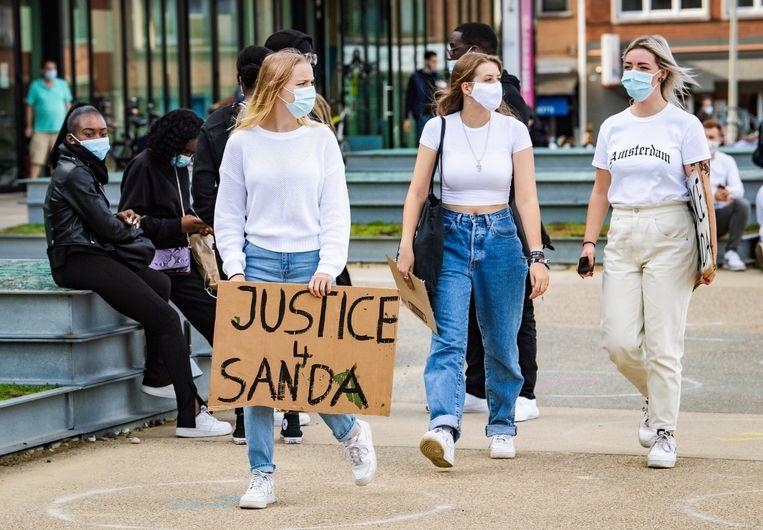Studenten in Leuven vragen gerechtigheid voor Sanda Dia. Beeld Photo News
