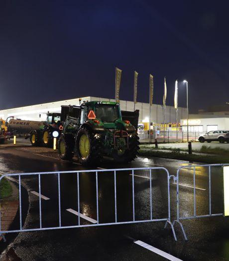 Boerenprotest breidt uit, nu ook actie bij distributiecentrum Jumbo in Breda