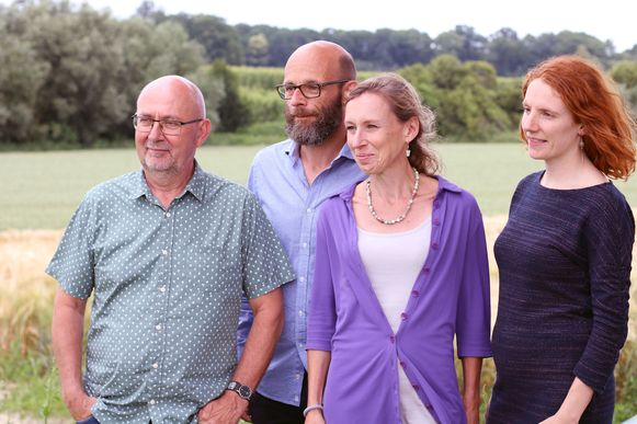 Groen Lubbeek met Fons Creuwels, Werner Boullart, Liesbeth Smeyers en Sarah Delanoeije. De partij wil geen verbod op hoofddoeken in basisscholen.