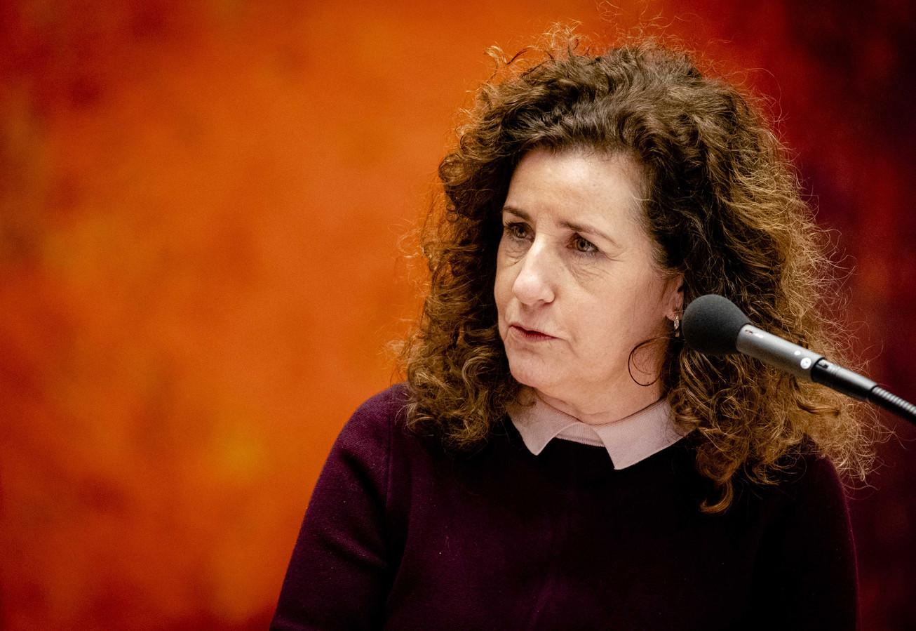 Minister Ingrid van Engelshoven van Onderwijs kondigt in een interview met deze krant een aantal maatregelen aan die de keus voor de Pabo goedkoper en aantrekkelijker moeten maken.