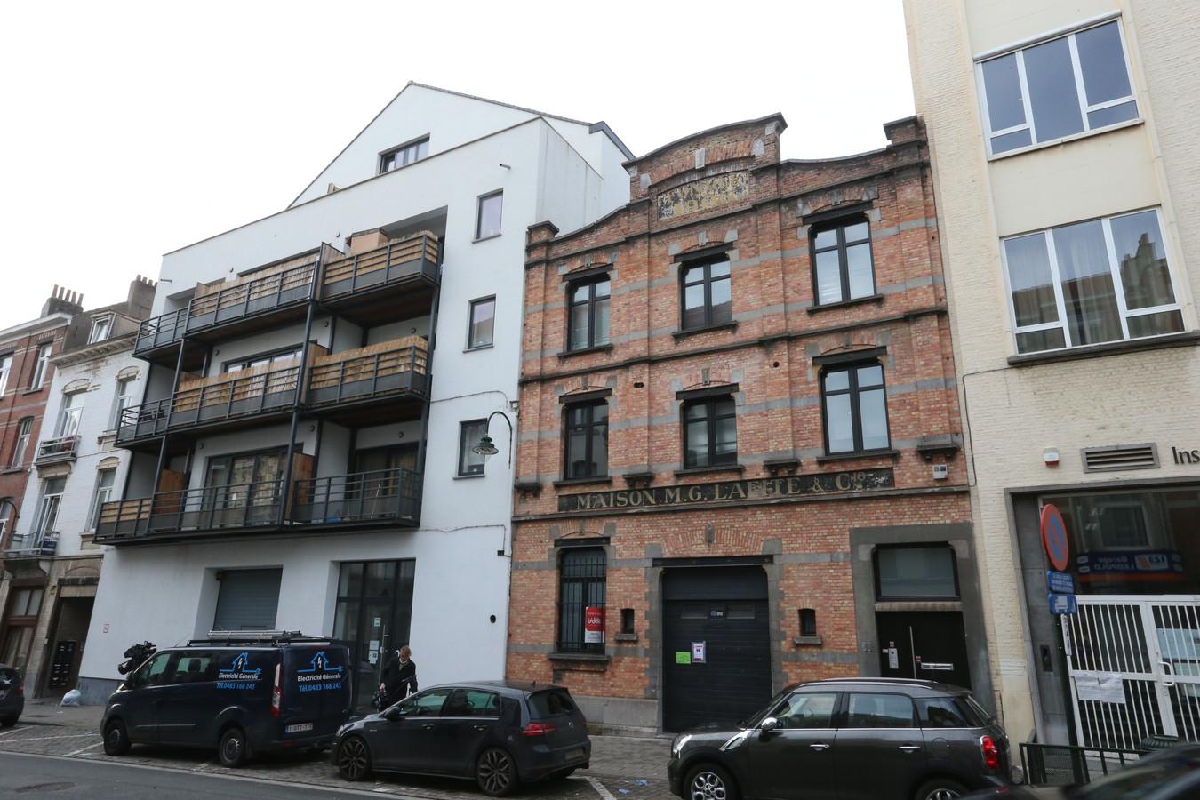 La fête était organisée dans un entrepôt à Laeken, aménagé en bar à chicha et discothèque