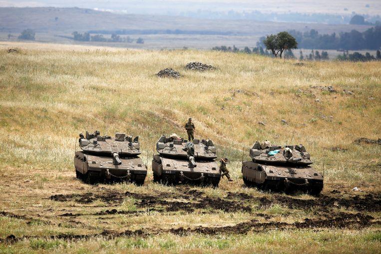 Israëlische troepen op de Golanhoogten. Beeld REUTERS