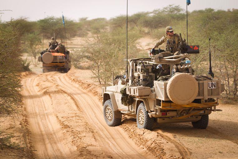 Nederlandse commando's van het KCT (Korps Commando Troepen) tijdens een patrouille richting de stad Bakal in 2014. Beeld ANP