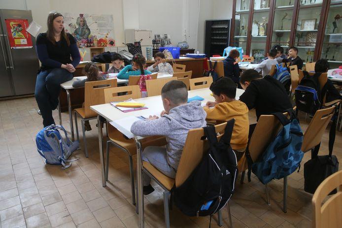 De leerlingen van de Triangel krijgen tijdelijk les in de Tuin van kina.