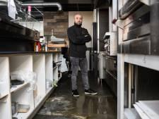 Ninos (37) dreigt na waterschade restaurant in Hengelo kwijt te raken: 'Ik wist: dit is misse boel'