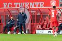 FC Twente-trainer Ron Jans, zaterdagavond tijdens de wedstrijd tegen Vitesse.