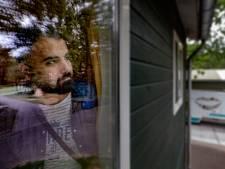 Duizenden asielzoekers vast in azc's; wel een vergunning, geen woning: 'Mijn leven staat in de wacht'