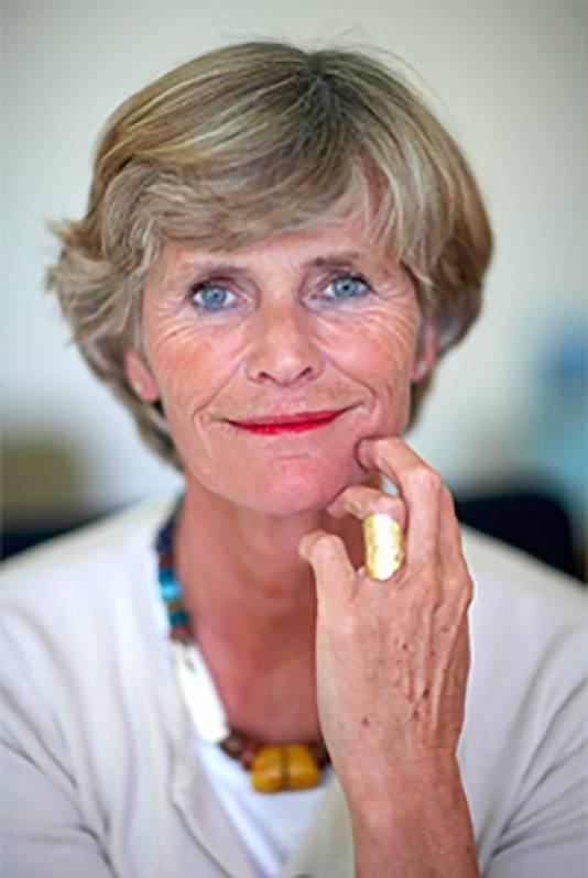 Volgens Marijke Bisschop, een Nederlandse pedagoge die in België werkt, hebben Nederlandse kinderen hun tevredenheid te danken aan de praatcultuur.