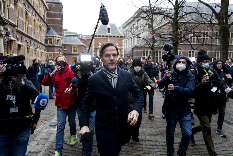 Demissionair premier Mark Rutte na de ministerraad over de toeslagenaffaire op het Binnenhof.