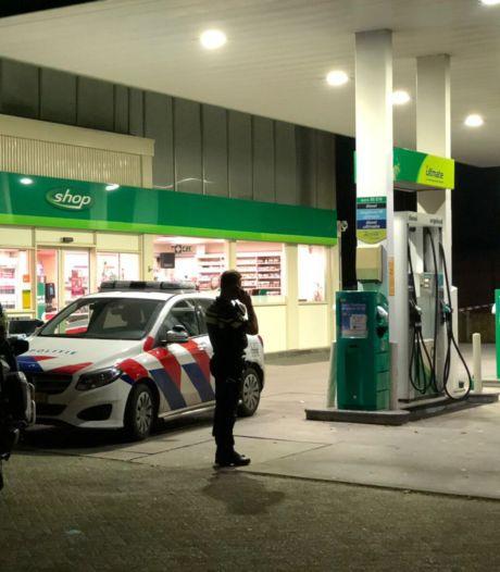 Klant schreeuwt gewapende overvaller met beslagen brillenglazen tankstation uit: 'Het leek een slapstick'