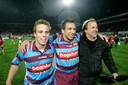 Jonathan Vosselman (l), Alper Gobel en trainer Mike Snoei in 2007 waarin GA Eagles na 15 jaar weer eens een prijsje pakte met de periodetitel.