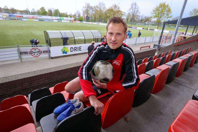Xander Scheepens stopt er na dit seizoen mee. Hij krijgt nog wel een afscheidswedstrijd.