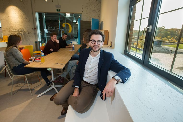 Jasper Olaerts van C-Mine Crib sluit met Motmans & partners een deal om de start-ups nog professioneler te begeleiden.