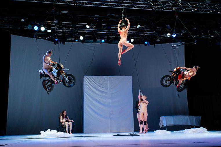 Tanz van Florentina Holzinger, te zien tijdens het slotweekend van Spring Performing Arts Festival. Beeld Nada Zgank
