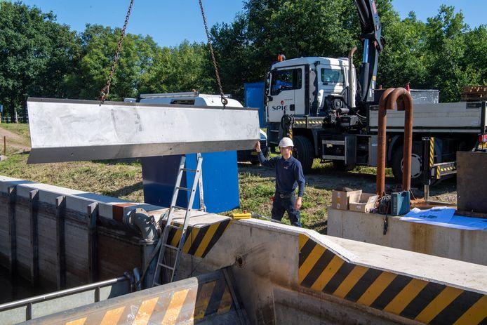 De sluis bij Junne werd vorig jaar gerepareerd, nadat die meerdere malen met storing kampte.