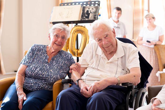 MECHELEN Jacques Denis en Andrée Desmons vieren hun platina huwelijksverjaardag