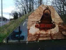 Weggewaaid stuk kunstwerk in Enschede weer terecht: 'Iemand had het meegenomen'