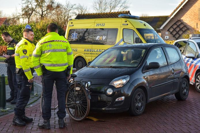 Ongeluk met fietser en auto op de Lange Brugstraat in Etten-Leur.
