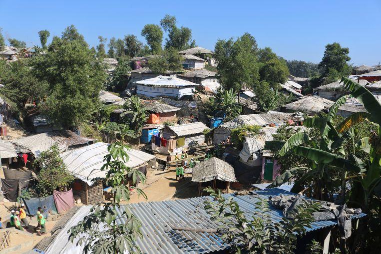 Luchtfoto van een vluchtelingenkamp, waar vanuit Rohingya-vluchtelingen (islamitische minderheid in Myanmar) worden overgebracht naar het eiland Bhasan Char. Beeld AP
