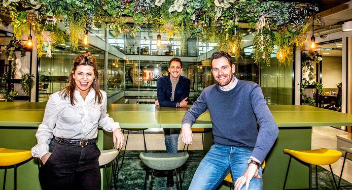 Drie woordvoerders van The Tailors: vlnr Carmen Roovers, Bob van Woerkom en Merwin de Jongh.