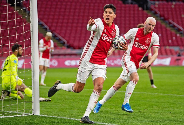 Edson Álvarez heeft de gelijkmaker voor Ajax gemaakt, 1-1. Beeld Guus Dubbelman / de Volkskrant
