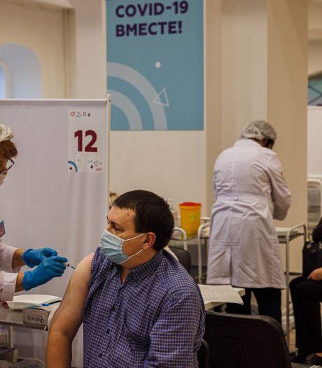 Le Kremlin blâme sa population pour l'échec de la vaccination contre le Covid-19